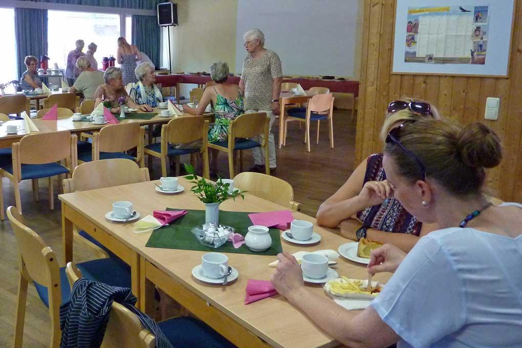 2016-08-27_17, Cafe im Gemeindesaal