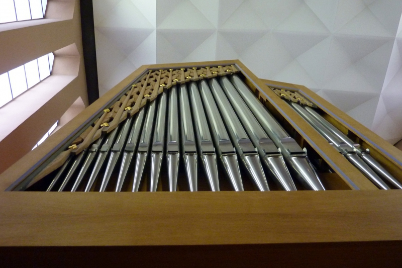 Orgel-Detail: Pfeifen und Schleierbrett (Foto: E.Valerius)