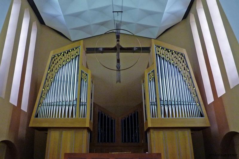 Orgel, Firma Simon, Borgentreich; 1308 Pfeifen, 26 Register (Foto: E.Valerius