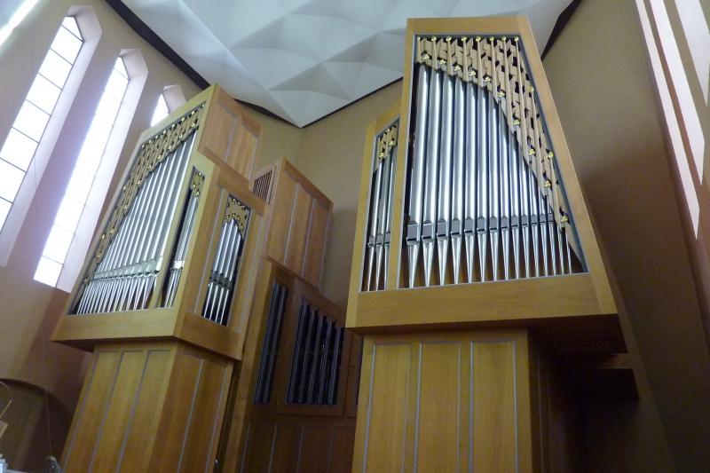 Orgel-Detail: Blick von der rechten Seite (Foto: E.Valerius)