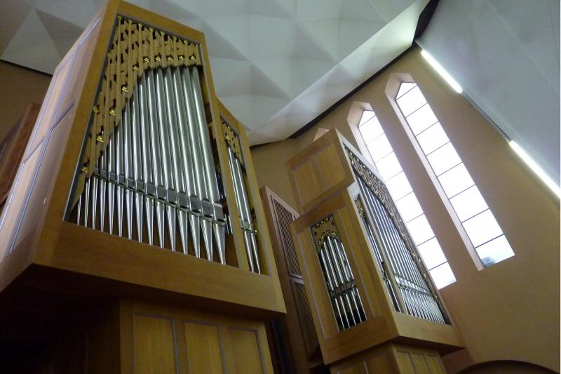 Orgel-Detail: Blick von der linken Seite (Foto: E.Valerius)