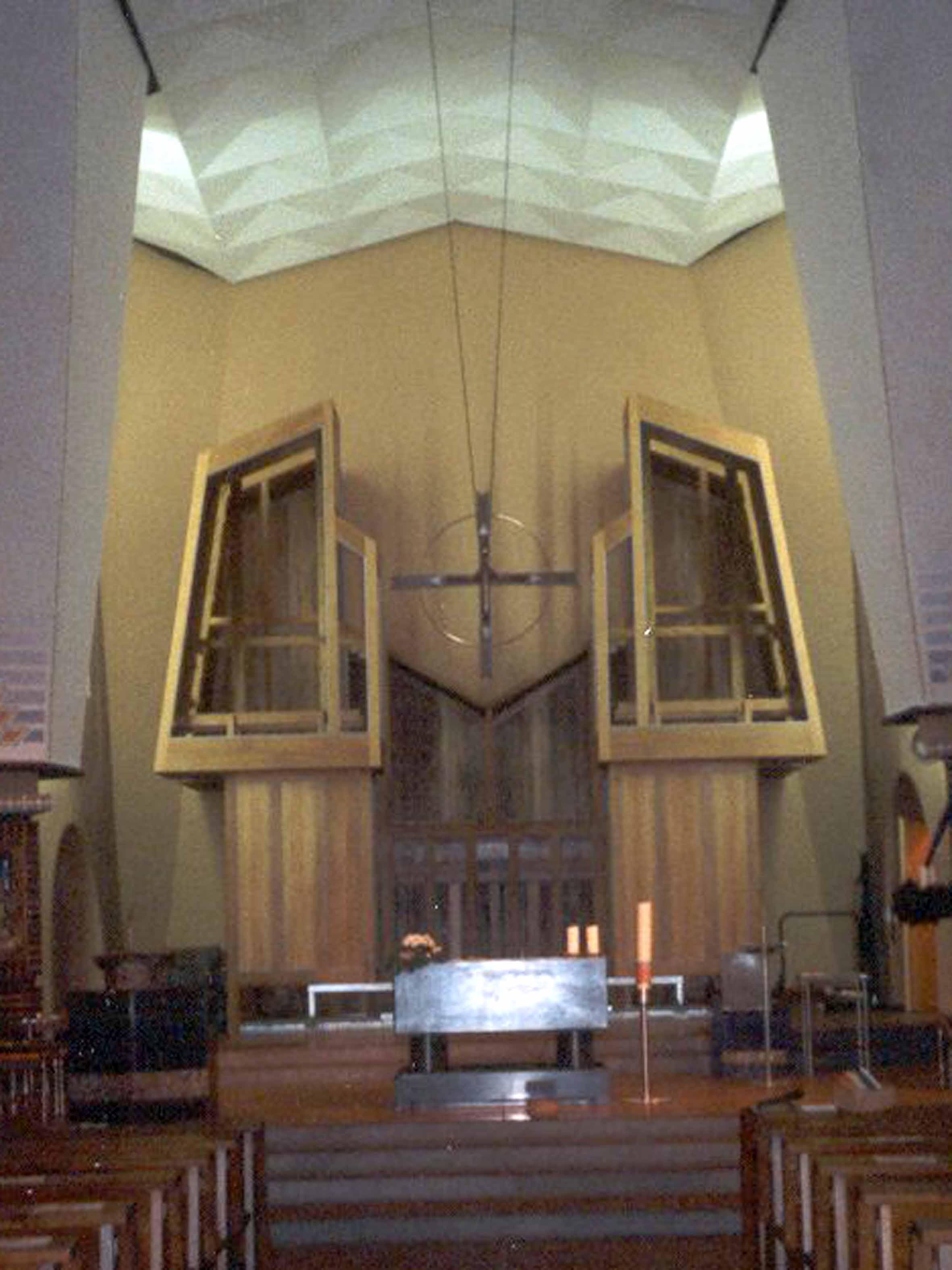 Orgelbau 1. Advent 2000 (Foto: E.Valerius)