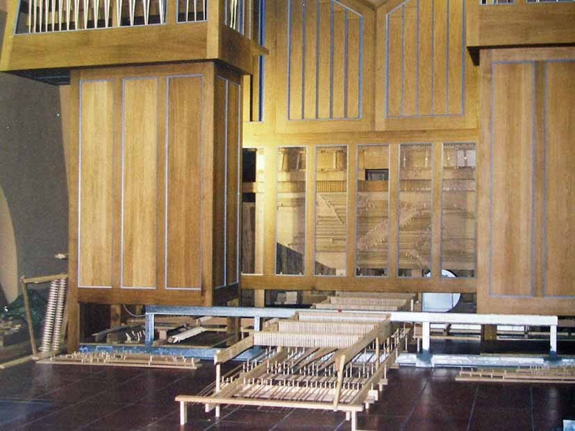 Orgelaufbau März 2001 (Archivfoto)