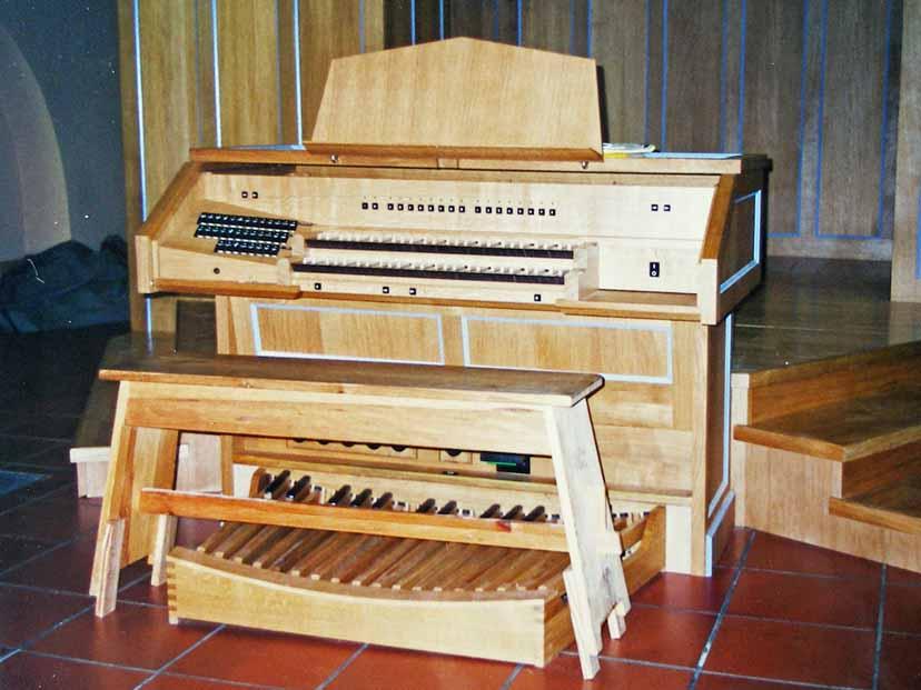 Orgelaufbau Juli 2001 (Archivfoto)