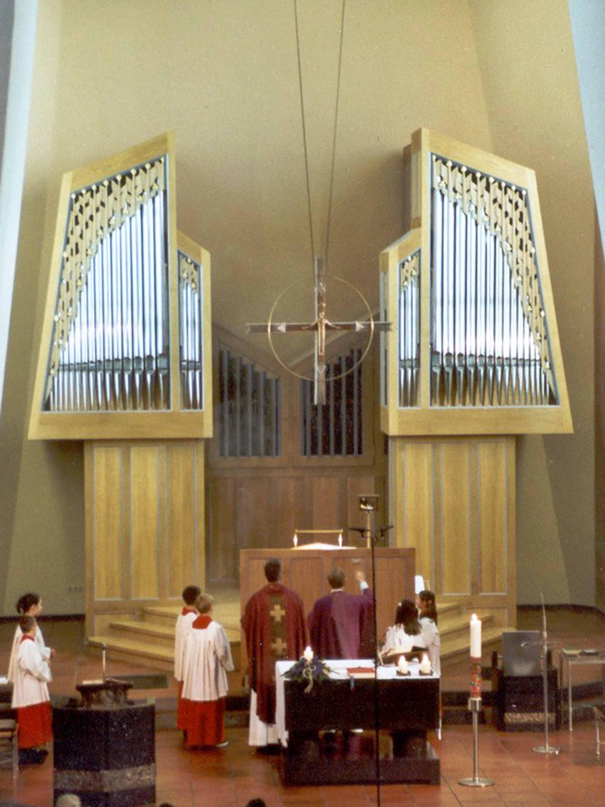 Orgelweihe 16. Dezember 2001 (Foto: E.Valerius)
