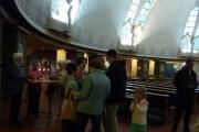 2016-10-02_10, Begegnung in der Kirche, unterm Schutz der Engel